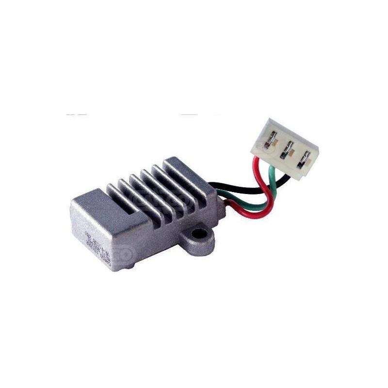 Régulateur 28 Volts, Lucas 21222130, 581200320000, Fiat 9986111